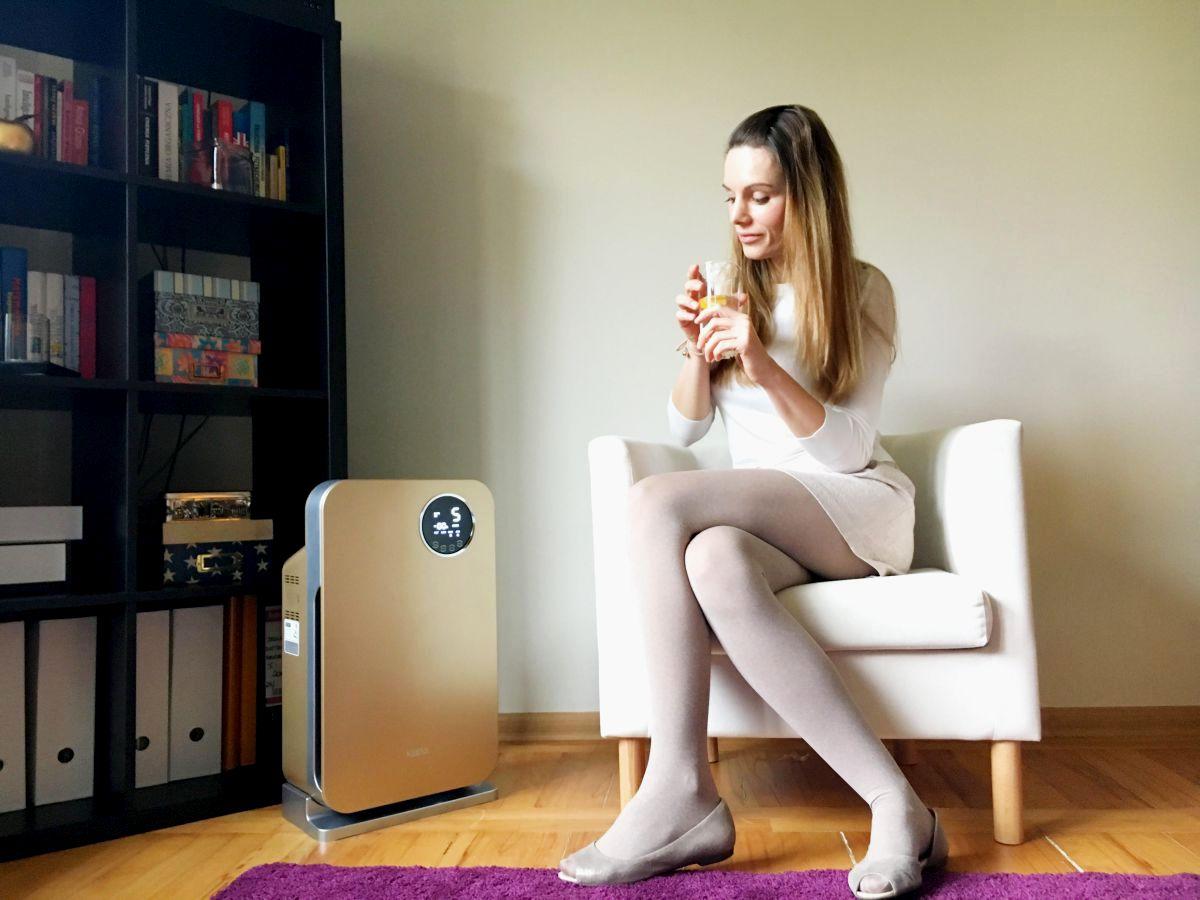 Oczyszczacz powietrza Klarta Forste Gold w mieszkaniu